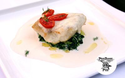 Филе судака запеченного с сыром Моцарелла